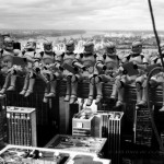 Troopers atop a skyscraper par David Eger
